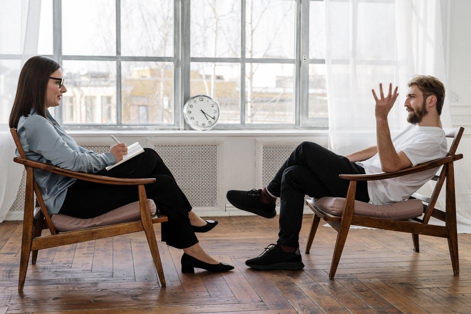 sezení s psychoterapeutkou